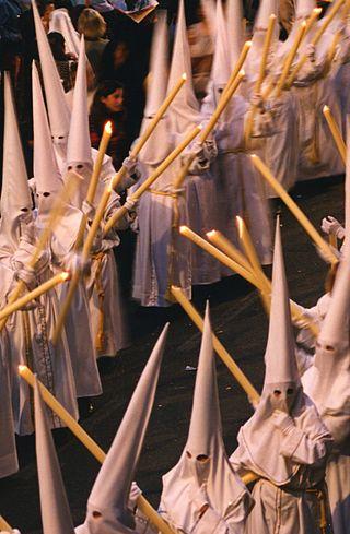 Usa Thaipave™ WB 9095 antes de las procesiones religiosas